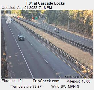 I-84 at Cascade Locks (looking west)