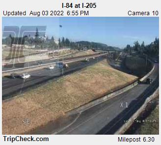 WSDOT - I-84 at I-205 - North Portland Oregon Cameras
