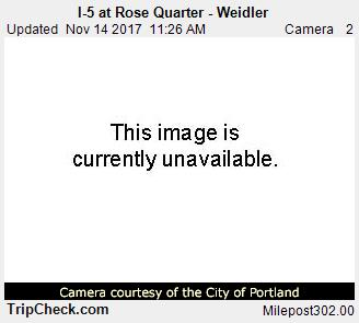 RoadCam - I-5 at Rose Quarter - Weidler