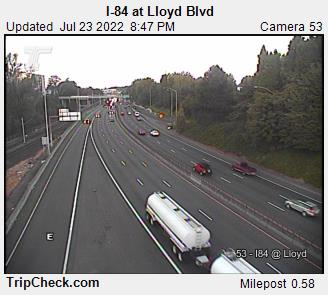 RoadCam - I-84 at Lloyd Blvd