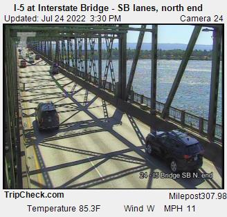 RoadCam - I-5 at Interstate bridge, S/B lanes, north end