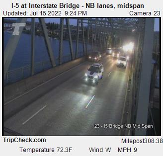 RoadCam - I-5 at Interstate bridge, N/B midspan